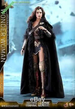 READY HOT TOYS DC COMICS JUSTICE LEAGUE Wonder Woman GAL GADOT DELUXE MMS451
