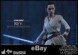 STAR WARS THE FORCE AWAKENS REY 1/6 FIGURE HOT TOYS SIDESHOW withlightsaber