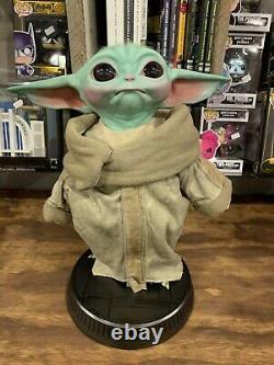 Sideshow / The Child Grogu (life-size) Baby Yoda / The Mandalorian Figure Statue